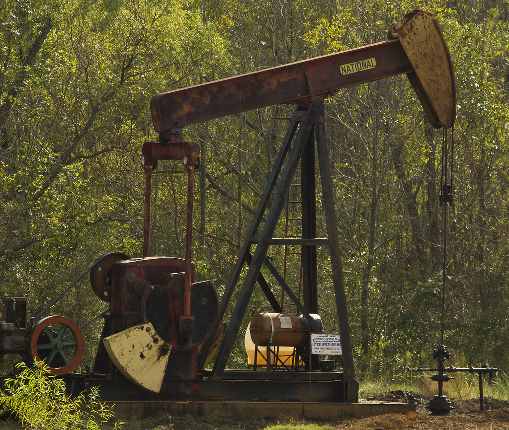 East Texas Oil Well Pump - Picture Credit: Flickr/Ray Bodden